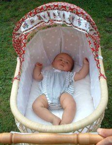 新生児から使えます。ベビーベッドとしても。