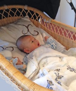 赤ちゃんのベビーベッドとして。